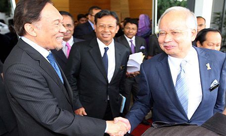 d06dc21c1960570f00c2553b65ec3a80 456x275 - Economic Policy: Najib Offers Substance, Pakatan Offers Populism