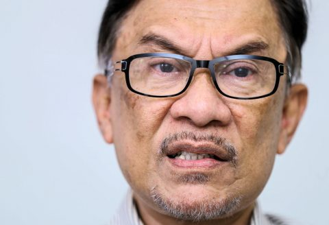 Disconnected Anwar is Disappearing into the Darkness