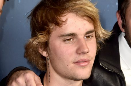 justin bieber health crisis 456x300 - Bieber's Mid-Life Crisis; Wayne Rooney Gets the Boot