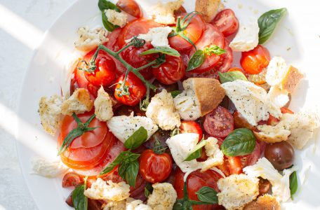 luisa brimble vIm26fn QKg unsplash 1 456x300 - Why You Need To Eat A Salad Everyday
