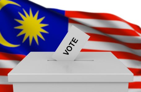 01 preview1 456x300 - Economists Say Big Money Will Leave Malaysia if BN Loses GE13