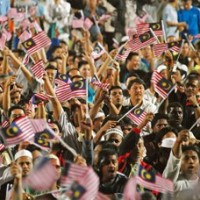 malaysians friendly 200 200 - Forbes Ranks Malaysia 10th Most Friendly Country in the World
