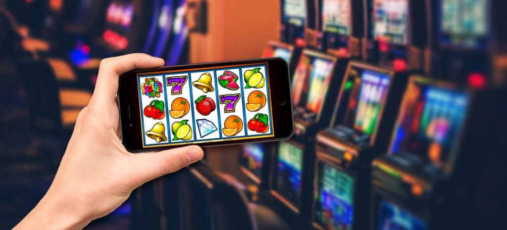differences between online slots and land based slots  1024x465 - How To Have An Amazing First Time Experience At The Casino